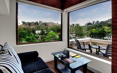 garden_view_room-chacha-inn-mount-abu