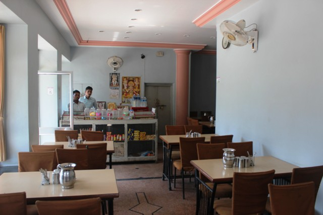 restaurant-madhuram-mount-abu-opposite-bus-stand