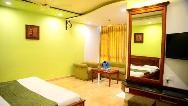 super-deluxe-affordable-couple-rooms-hotel-silver-oak-mount-abu-