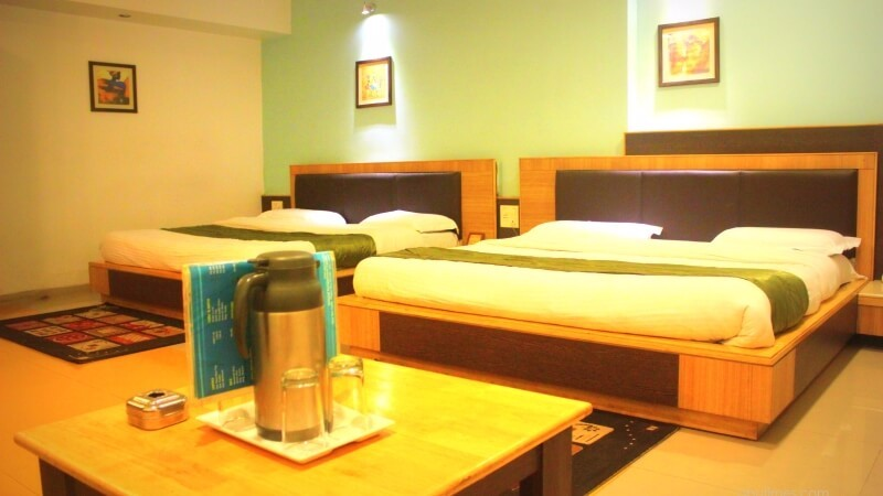 super-deluxe-affordable-family-rooms-hotel-silver-oak-mount-abu-