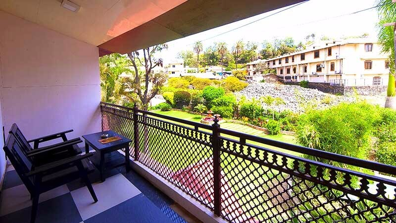 super-deluxe-affordable-rooms-hotel-silver-oak-mount-abu-1