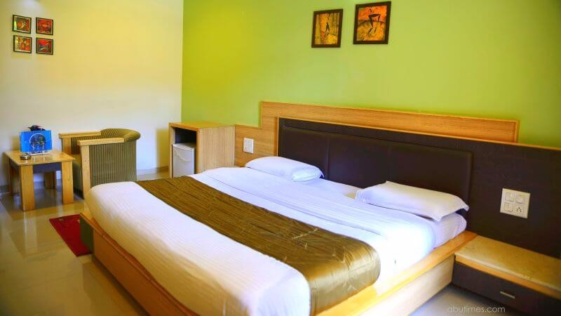 super-deluxe-budget-family-rooms-hotel-silver-oak-mount-abu-