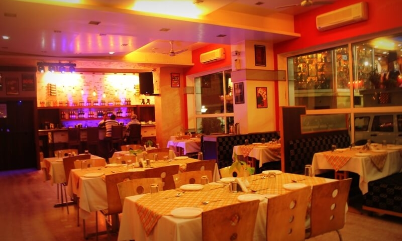 family-restaurant-mountabu-chacha-cafe