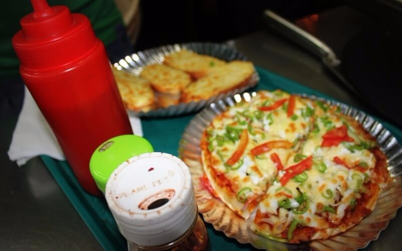 meals-pizza-crust-mount-abu