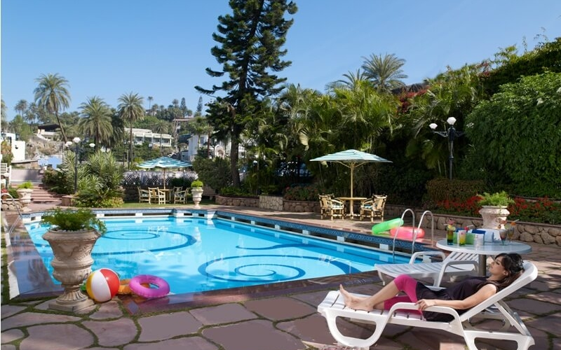 swimming-pool-hotels-mount-abu