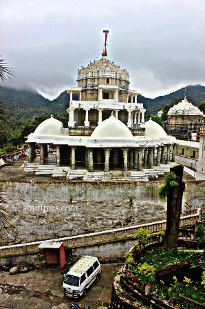 delwara-jain-temple-mount-abu-04