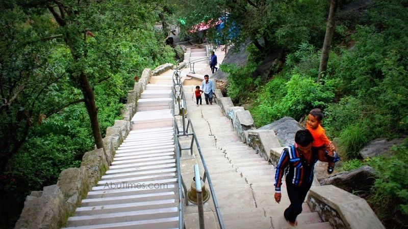 adhar-devi-temple-mount-abu-15