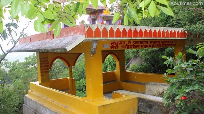 adhar-devi-temple-mount-abu-9