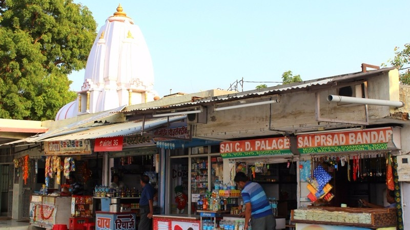 sai-baba-temple-abu-road-5