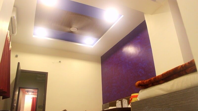 3-beded-family-budget-rooms-in-hotel-mamta-mount-abu-2