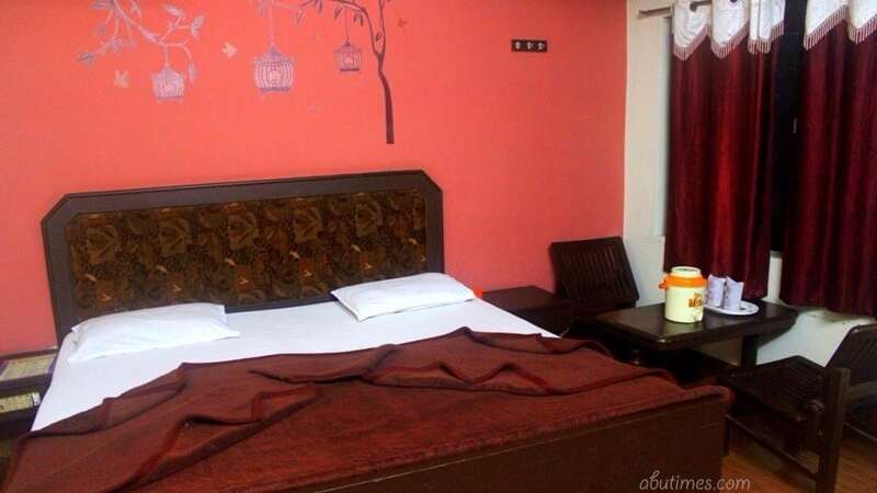 deluxe-rooms-in-hotel-mamta-mount-abu