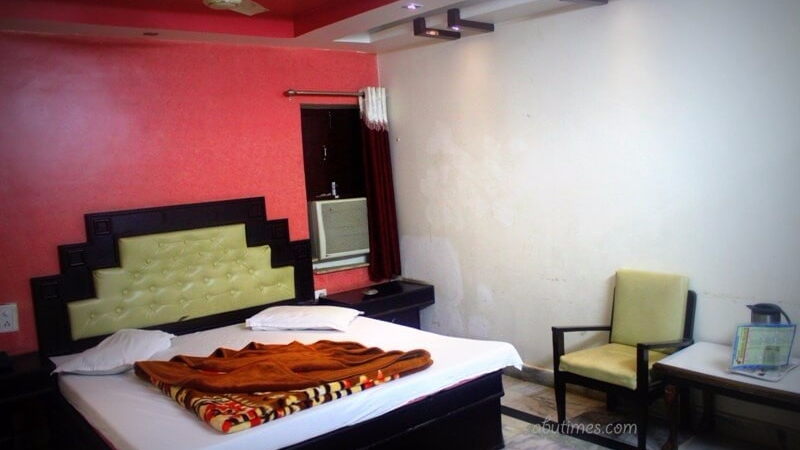 luxury-budget-rooms-in-hotel-mamta-mount-abu