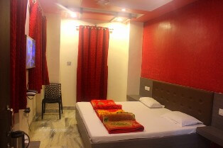 top-deluxe-rooms-in-hotel-mamta-mount-abu-for-groups