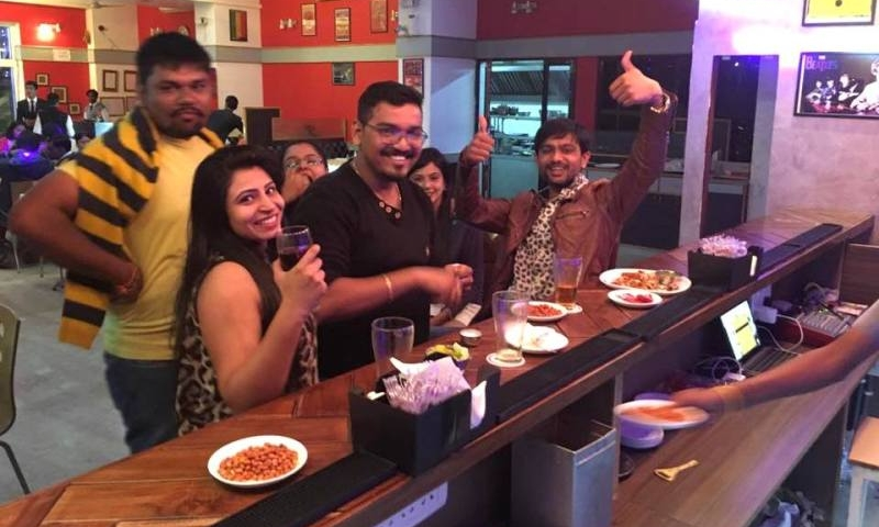 party-at-chacha-cafe-mt-abu