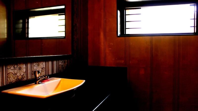 deluxe-rooms-hotel-saraswati