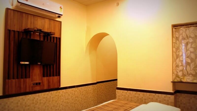 guest-rooms-hotel-saraswati