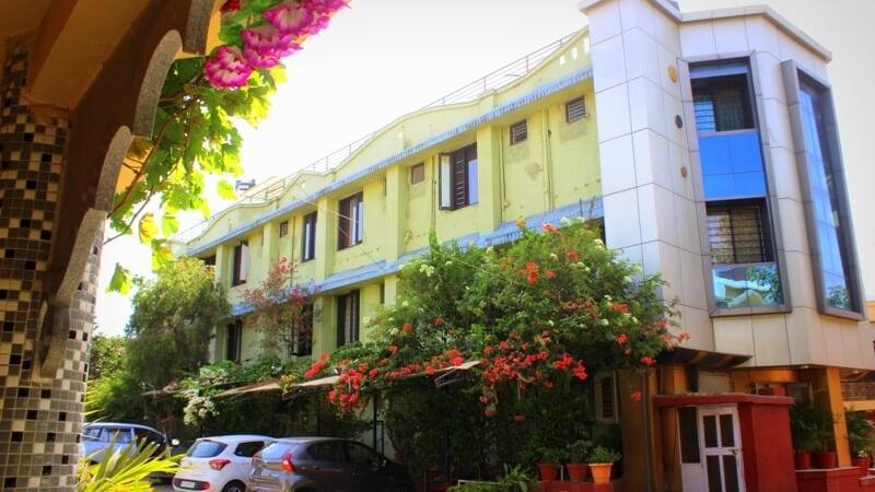 mount-abu-hotel-saraswati
